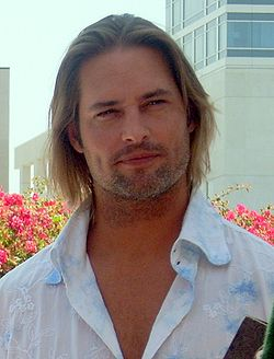 250px-Josh_Holloway_Comic-Con_cropped